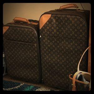 High end Louis Vuitton luggage set super high end